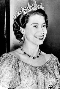 270px-Queen_Elizabeth_II_-_1953-Dress